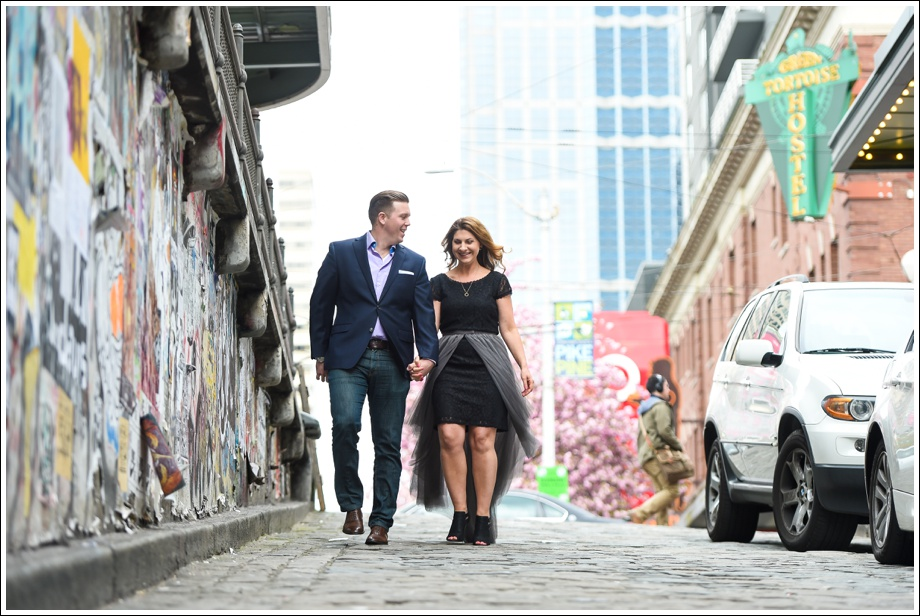 Gasworks and Pike Place Engagement Photos-01