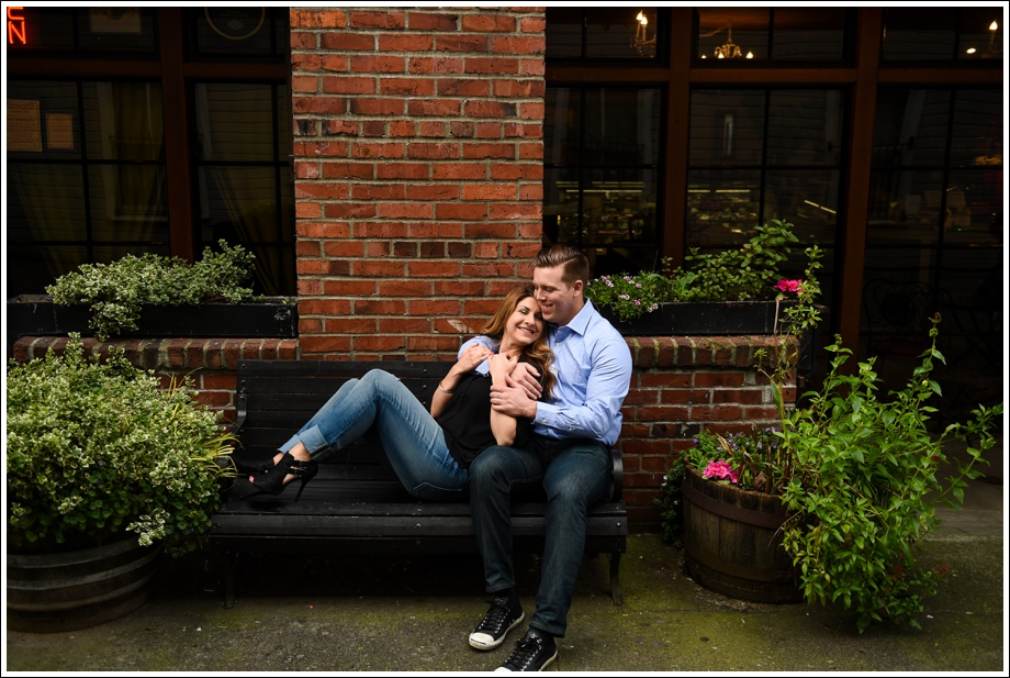 Gasworks and Pike Place Engagement Photos-10